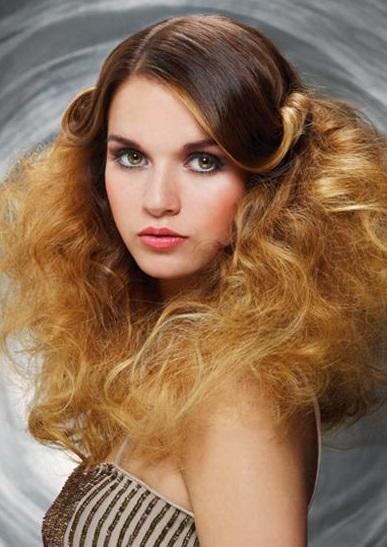 Coafură elegantă, de ocazie, Foto: woelwer-hair.de