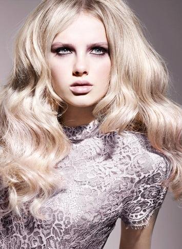 Coafură elegantă pentru Anul Nou, Foto: sofeminine.co.uk