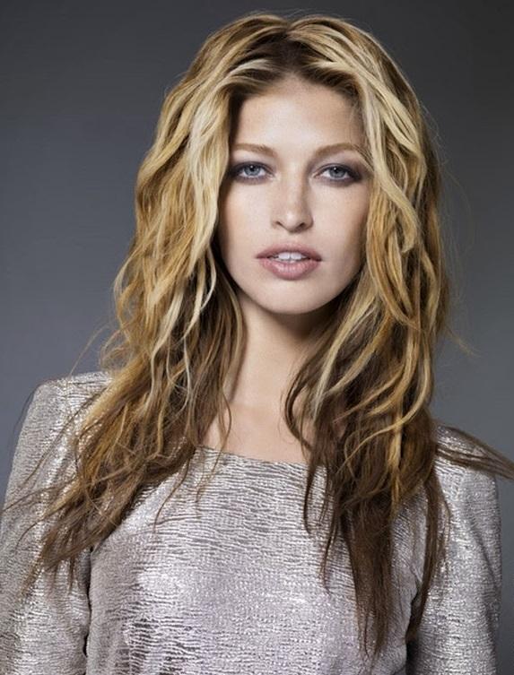 Coafură pentru femei cu păr drept, Foto: newdreamhair.blogspot.com