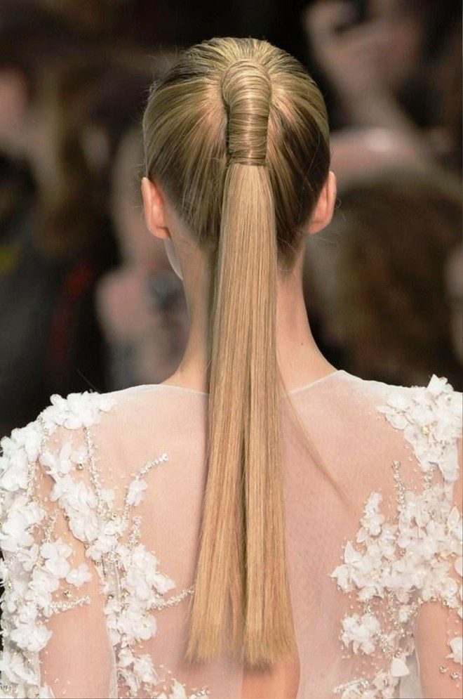 Coafură pentru păr lung și drept, Foto: behairstyles.com
