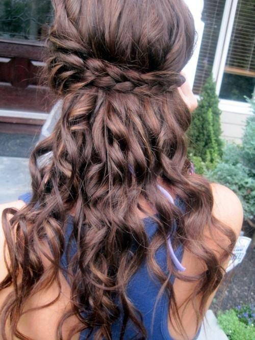 Coafură pentru tinere cu păr lung, Foto: pophaircuts.com