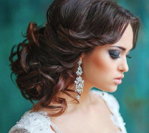 Coafură updo elegantă, Foto: happywedd.com