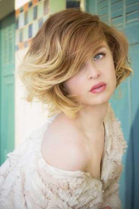 Coafură bob clasic pentru păr ondulat, Foto: short-haircut.com