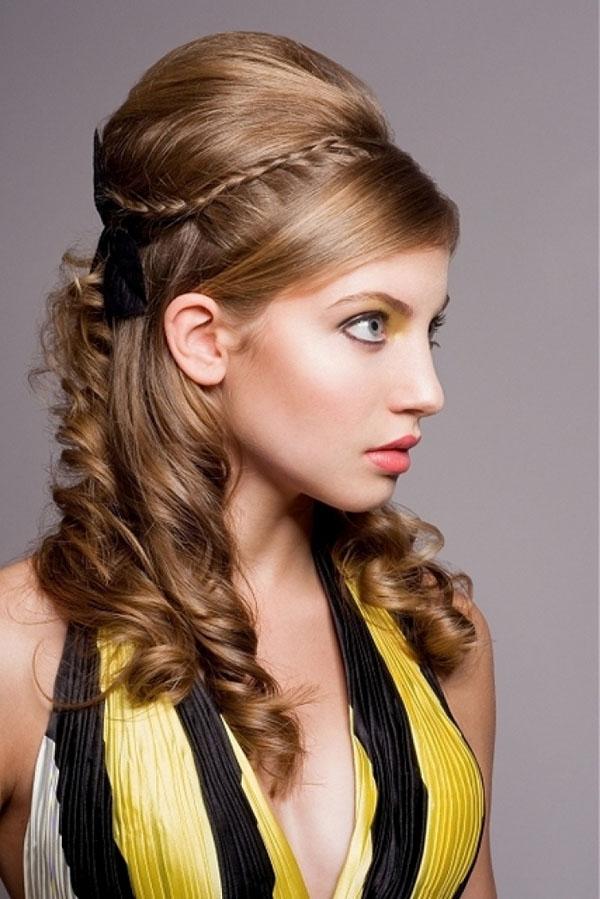 Coafură cu bucle pentru banchet, Foto: hairzstyle.com