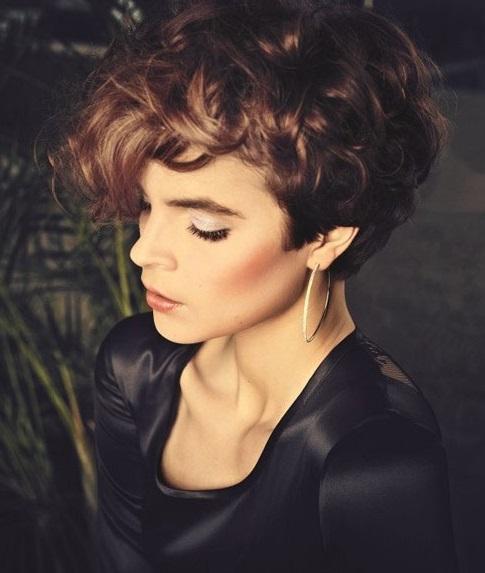 Coafură cu bucle, Foto: short-haircut.com