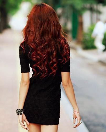 Coafură cu părul în valuri, Foto: reasonswhyweloveclaire.blogspot.ro