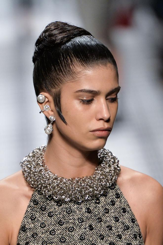 Coafură cu părul cu aspect umed, Foto: theimpression.com