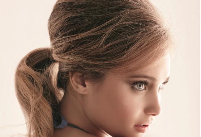 Coafură cu părul prins la spate în coadă, Foto: missbagira.ru