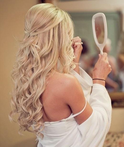 Coafură de ocazie pentru păr lung, Foto: pixgood.com
