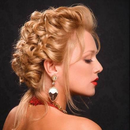 Coafură elegantă cu împletituri lejere, Foto: raznoblog.com