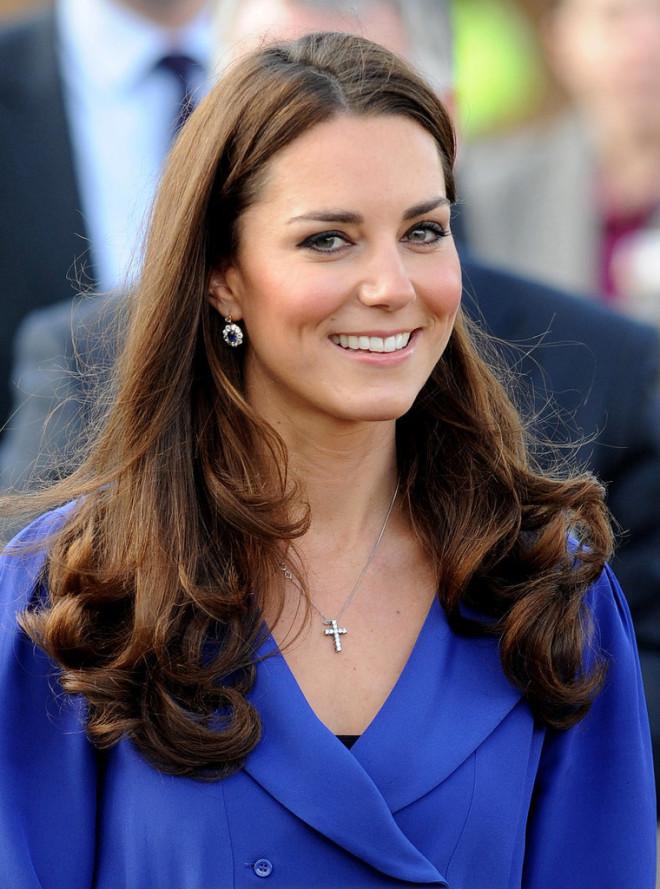 Coafură elegantă la Kate Middleton, Foto: minibeautylife.com