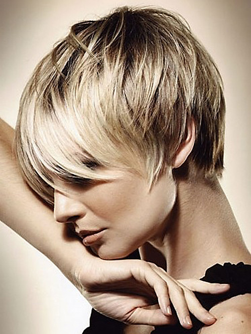 Coafură modernă în acest an, Foto: hairstylesforwomen.info