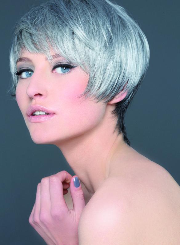 Coafură modernă pentru păr scurt, Foto: biguine.us