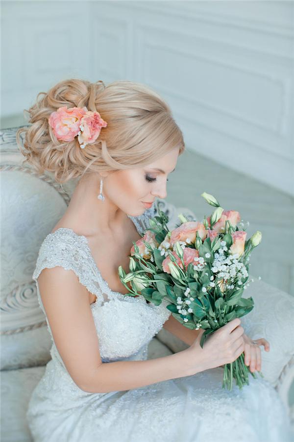 Coafură pentru păr lung, Foto: deerpearlflowers.com