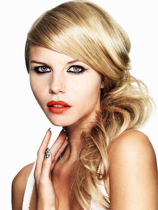Coafură romantică pentru femei blonde, Foto: practicalhairstyles.com