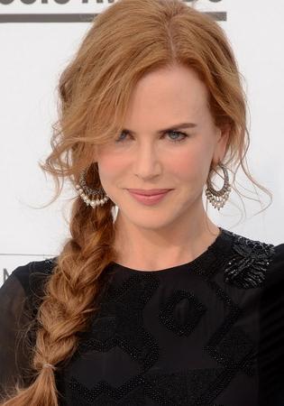 Coafură tinerească la Nicole Kidman, Foto: shortlonghairstyles.net