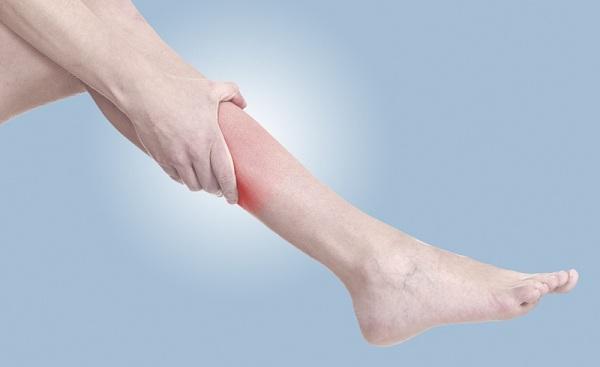 Crampe musculare la gambe, simptome de durere, Foto: naturalhealthcareforyou.com