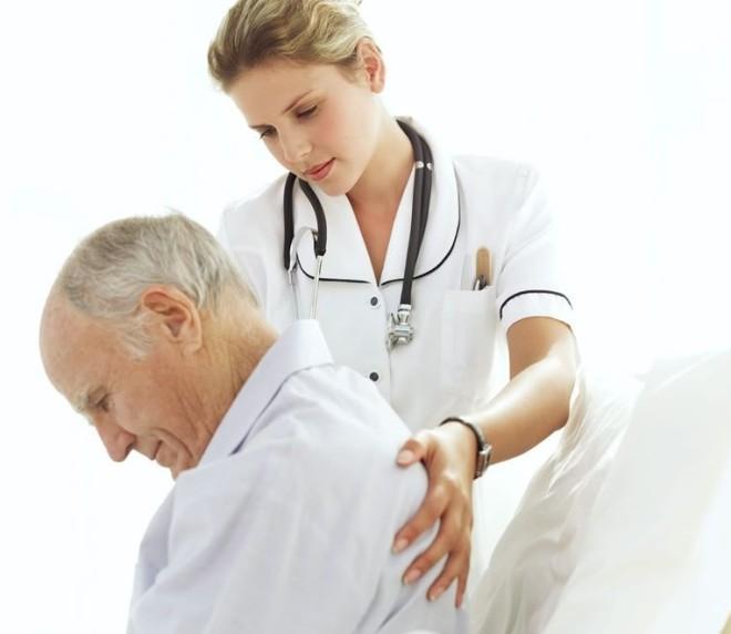 Durerea de spate, factori de risc sunt vârsta și ereditatea, Foto: evminov.com.ua