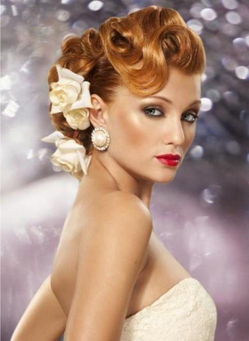 Coafură cu flori în păr, Foto: mirvolos.com