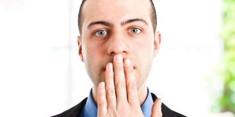 Halitoza, respirația urât mirositoare, Foto: magmens.com