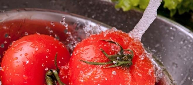Legumele și fructele trebuie foarte bine spălate pentru a preveni toxiinfecțiile alimentare, Foto: h2ublog.com