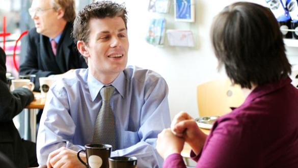Construirea unei legături între persoane, Foto: actiononhearingloss.org.uk