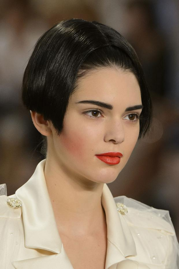 Machiaj Chanel, accentul s epune pe buze și sprâncene, Foto: lady.tochka.net