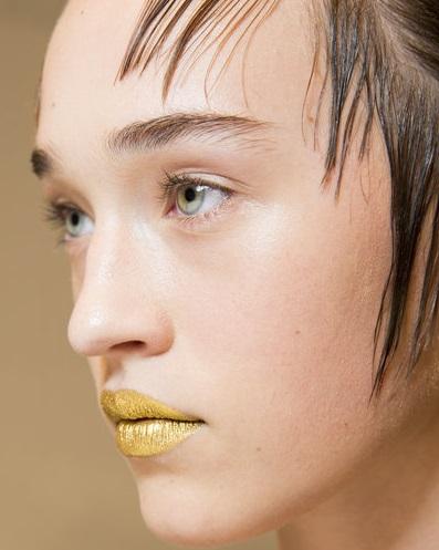 Machiaj Prada cu ruj auriu, Foto: vogue.de