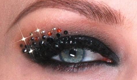Machiaj pentru ochi albaștri cu cristale Swarovski