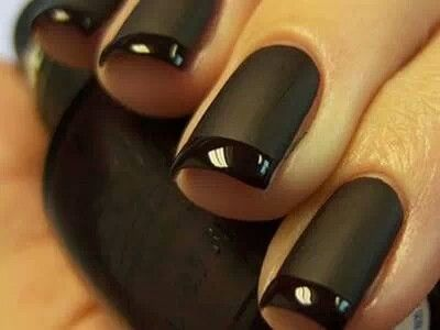 Manichiură neagră, Foto: aprettytrippyblog.com