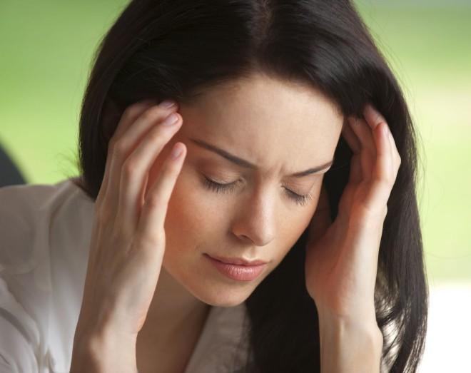 Migrena obișnuită produce durere severă și pulsatilă într-o parte a capului, sensibilitate la zgomot, la lumină și amețeli, Foto: willowcreekdds.com
