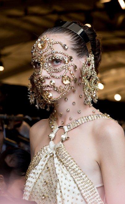 Moda Givenchy pentru anul 2016, Foto: lipstickjadore.files.wordpress.com