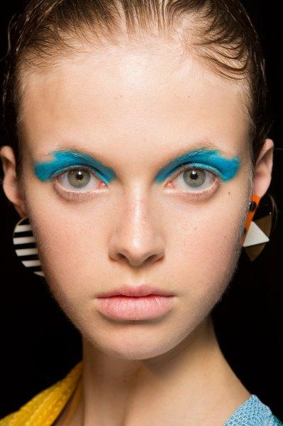 Nuanțe de albastru pentru fardul de pleoape, Foto: stylecaster.com