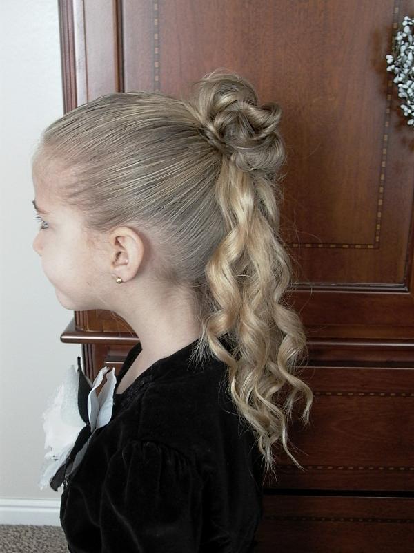 Părul prins în coc și cu zulufi, Foto: detskaya.bel31.ru