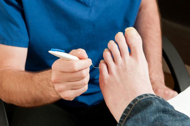 Picior diabetic, examinarea medicală, Foto: archesfootclinic.com