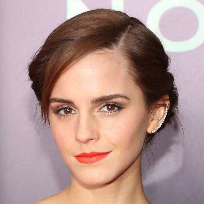 Piercing de ureche la Emma Watson, yoka.com, Foto: 9bandits.com