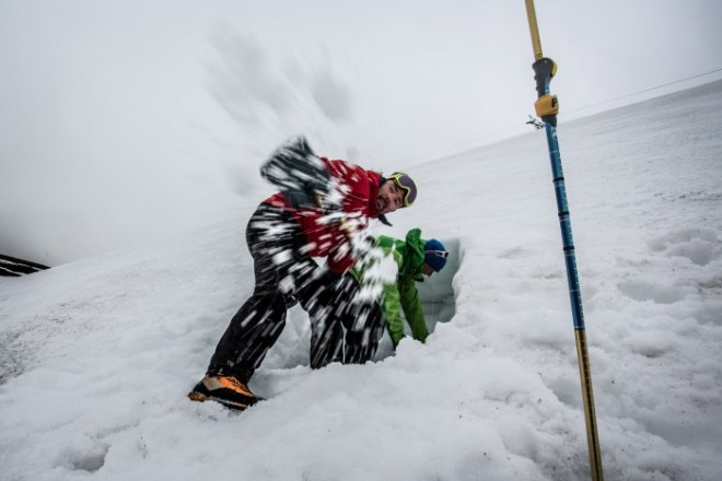 Prim ajutor în caz de avalanșă, Foto: glenmorelodge.org.uk