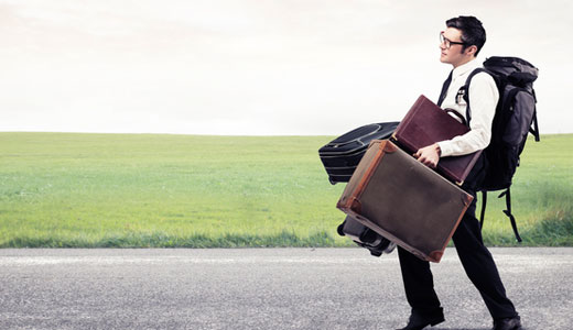 Ridicarea bagajelor poate cauza tensiuni musculare și dureri de spate, Foto: dr-piryaei.sifeindia.in