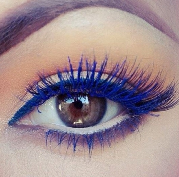 Rimel pentru gene lungi albastre, Foto: the-beauty-babes.tumblr.com
