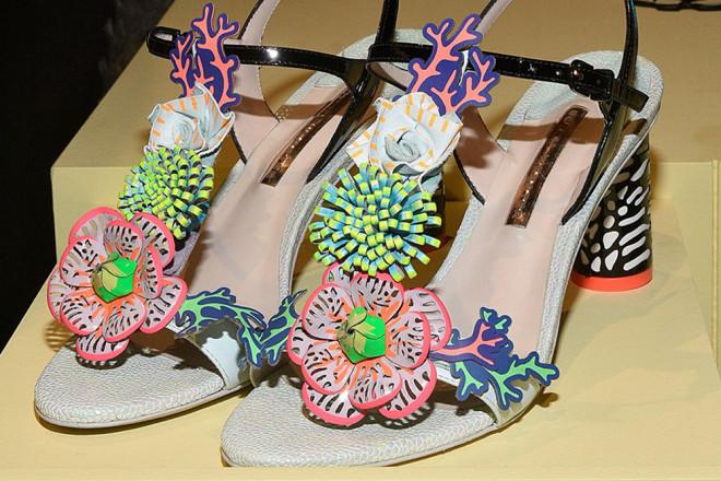 Sandale cu ornamente interesante în colecția Sophia Webster, Foto: talkshoes.com