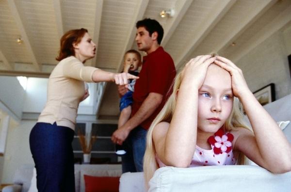 Situațiile conflictuale din familie, Foto: rebenokzdorov.com