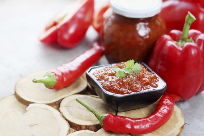 Sos de chili cu roșii, un condiment delicios pentru carne