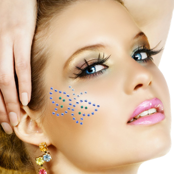 Tatuaj cu cristale Swarovski în formă de fluture, Foto: minskmehendi.ru