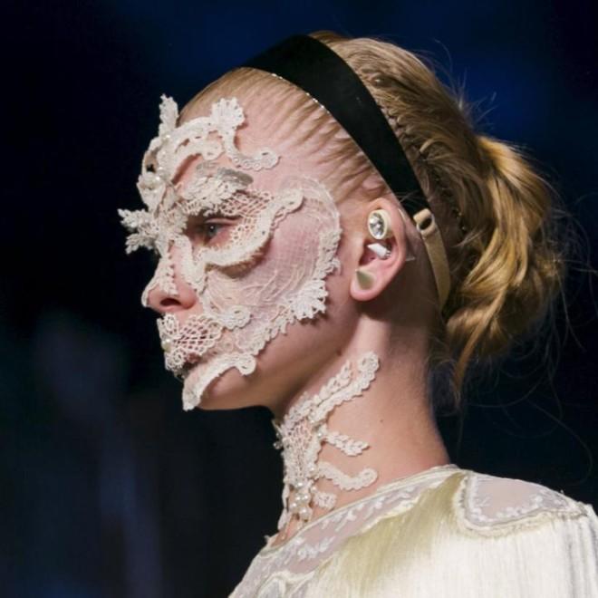 Tendințele în modă pentru anul 2016 în colecția Givenchy, Foto: lipstickjadore.files.wordpress.com