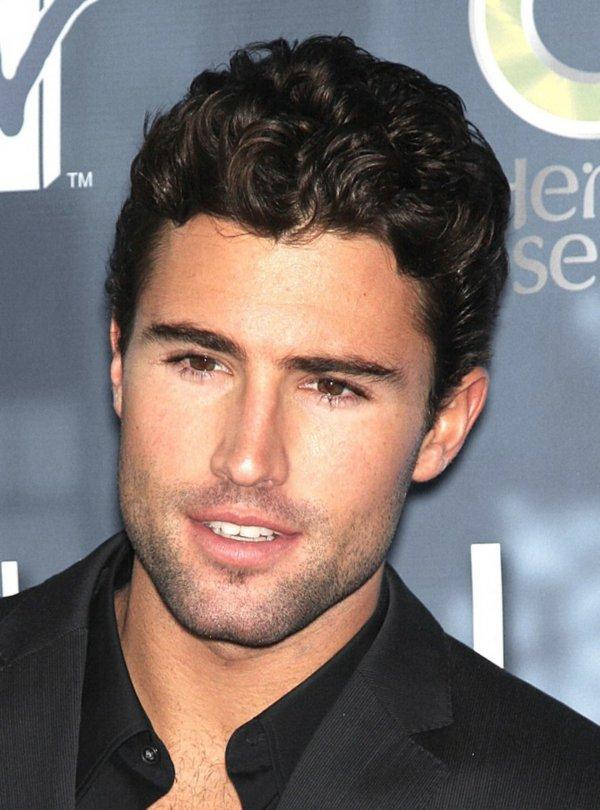 Tunsoare pentru bărbați cu păr ondulat, Foto: alleideen.com