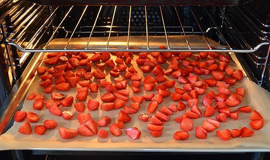 Uscarea fructelor în cuptor, Foto. turntoislam.com