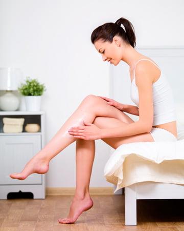 Îngrijirea pielii cu loțiune de corp, Foto: syntagesomorfias.blogspot.ro