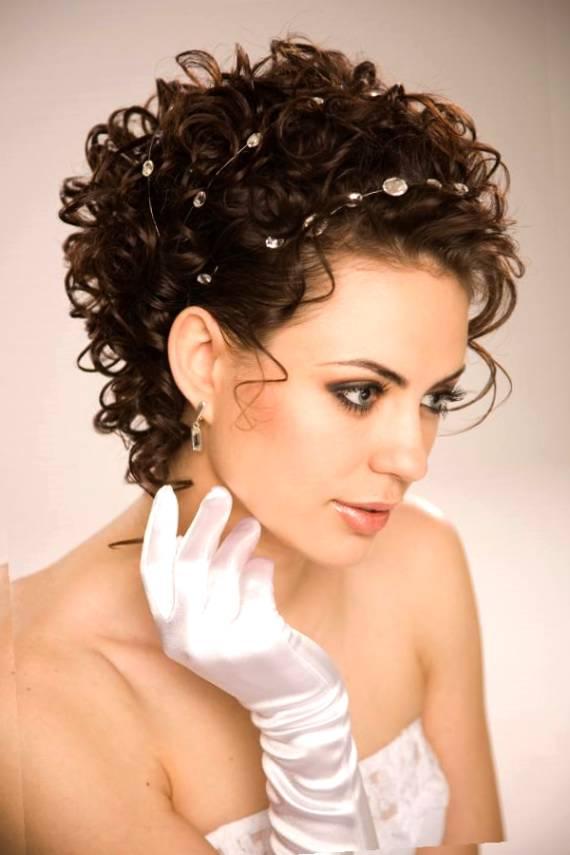 Coafură pentru păr mediu, Foto: galleryhip.com