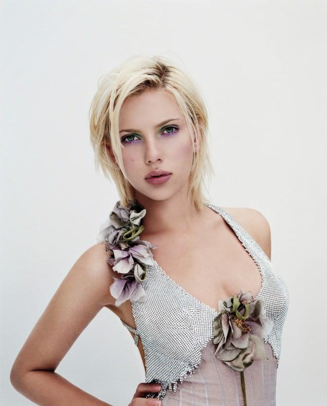 Coafură modernă la actrița Scarlett Johansson, Foto: filmcelebritiesactresses.blogspot.ro