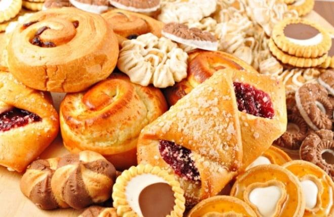 Carbohidrați care trebuie evitați. Excesul de glucide crește nivelul de insulină în sânge și acumularea de grăsime în organism , Foto: nicksergeyev.com
